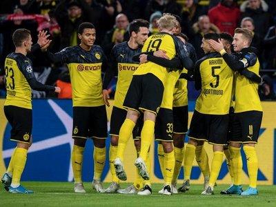 El Dortmund sufre pero gana y logra el pase a octavos