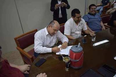 Federación Paraguaya firma contrato con sedes de Misiones para el Nacional de Salonismo 2020