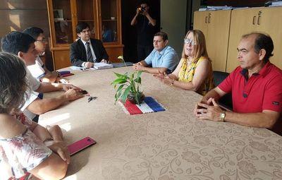 Cuestionan poco avance de investigaciones contra intendente de Mayor Otaño
