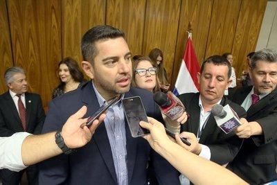 """Alliana critica parcialismo de la Corte y habla de expulsiones de los """"marcados"""" por EE.UU"""