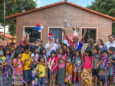 MUVH entregó las primeras 84 viviendas a familias indígenas de Mariano R. Alonso