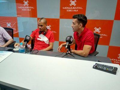 Los campeones Sergio Otálvaro y Néstor Camacho en FALG