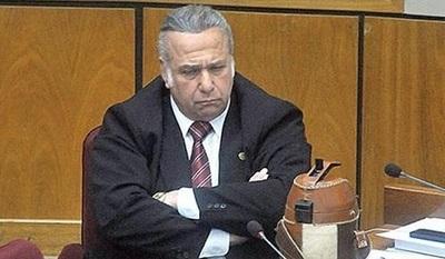 Senador pedirá la expulsión de Oscar González Daher de la ANR
