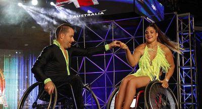Bailarines en silla de ruedas inspiran en Mundial de Baile Latino en Colombia