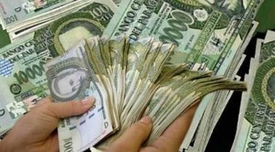 HOY / En qué gastar el aguinaldo: ¿Comprar ropa, saldar deudas o hacer una donación?