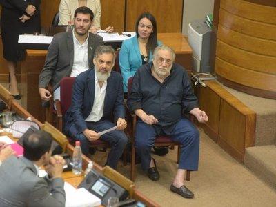 Senado homenajea a Humberto Rubín por luchar a favor del medioambiente