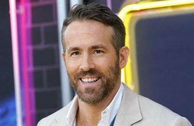 El momento en que Ryan Reynolds estuvo a punto de ser aplastado por una avalancha de fans