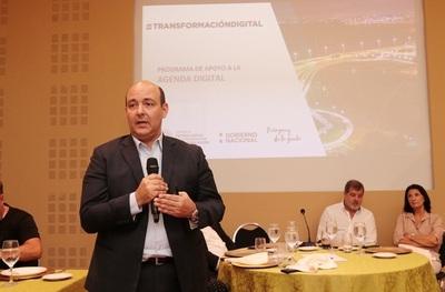 Ministro del Mitic compartió detalles de la Agenda Digital con ejecutivos