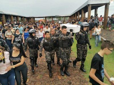 Brunito es despedido por una multitud en Presidente Franco