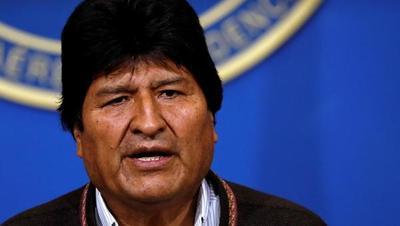 """Evo Morales llega a Argentina y anuncia que """"seguirá luchando"""""""