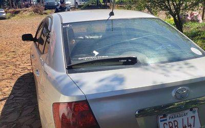 Abandonan vehículo robado