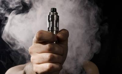 HOY / Prohibido vapear: su venta y consumo quedan restringidos para menores de 18 años y en lugares cerrados