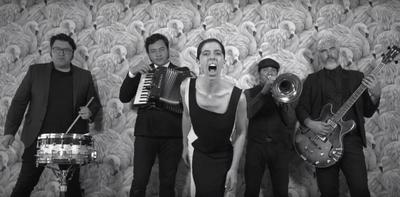 HOY / Neocabaret, rock y sonidos eclécticos para cerrar el Salazar 2019