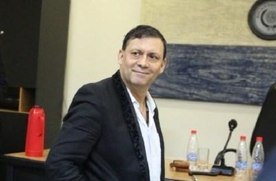 Víctor Bogado demanda al Estado y pide ser restituido en el Senado