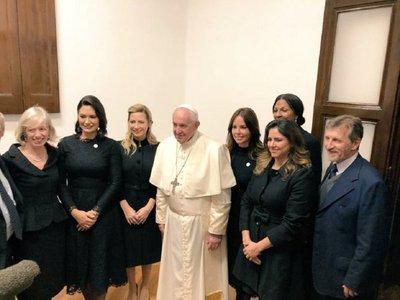 Francisco presidió acto con cinco primeras damas de Latinoamérica