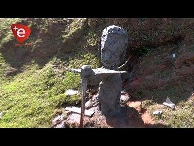 TRINIDAD: ESCULTOR CREA OBRA SOBRE LA IMPORTANCIA DEL ACUÍFERO GUARANÍ