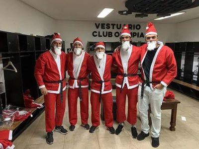 """El regalo navideño de """"Los terraterrestres"""" a niños de un hospital"""