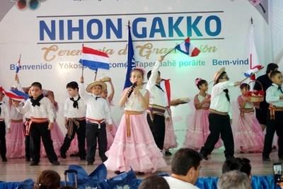 """Realizaron ceremonia de egreso de alumnos del """"Nihon Gakko"""""""