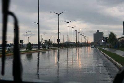 Itapúa, Canindeyú y Alto Paraná sin energía eléctrica tras tormenta