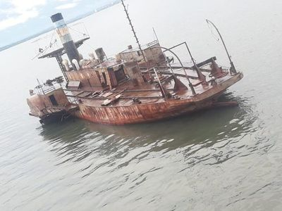 Recuperan buque argentino que fue arrastrado por por fuertes vientos