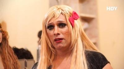 """HOY / Inocencia Fernández, la mirada trans que cautiva en teatro: """"Uno se asusta de lo que no conoce"""""""