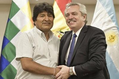 """Evo Morales agradece a los Fernández que garanticen su """"refugio"""" en Argentina"""