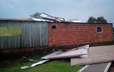 Fuerte tormenta deja varios destrozos en San Pedro