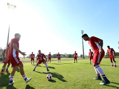 Ernesto Marcucci cita a 30 futbolistas para los próximos amistosos