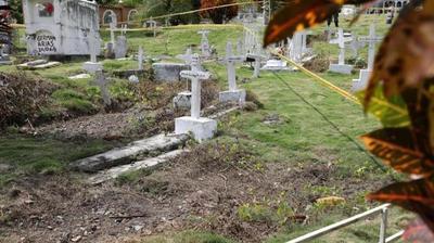 Colombia investiga una fosa común donde habrían enterrado decenas de cuerpos