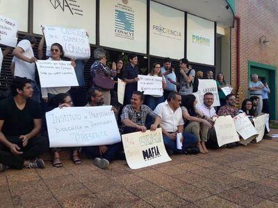 Científicos se manifiestan en protesta contra terna de CONACYT