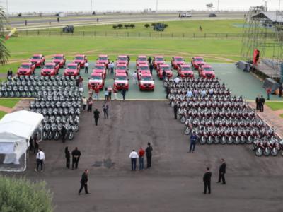 Gobierno Nacional entrega móviles y equipos para fortalecer asistencia en el campo
