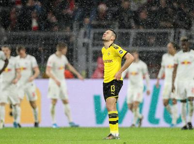 Leipzig remonta y se mantiene como líder de la Bundesliga