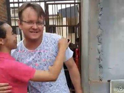 Juez dispone libertad ambulatoria de comerciante detenido con droga