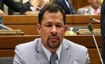 HOY / Diputados debaten la expulsión de Ulises Quintana
