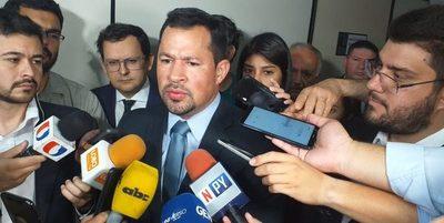 Mañana en sesión extra, analizarán pedido de pérdida de investidura de Ulises Quintana