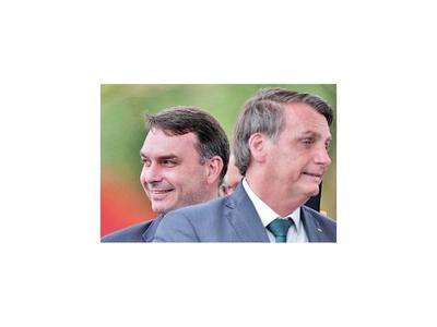 En Brasil investigan esquema de pagos de Flávio Bolsonaro