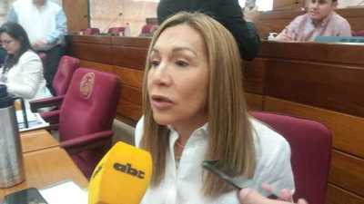 Senadora sostiene que Efraín Alegre manejó el PLRA como un boliche