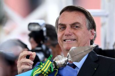 Bolsonaro anuncia que ley para legalizar minería en tierras indígenas ya está lista