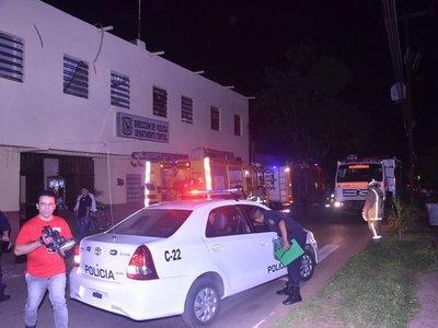 Explosión de aire acondicionado causa principio de incendio en sede policial