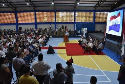 Caazapá recibe becas universitarias y aportes para las municipalidades
