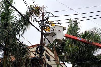 Violento temporal afectó el  40% del sistema eléctrico