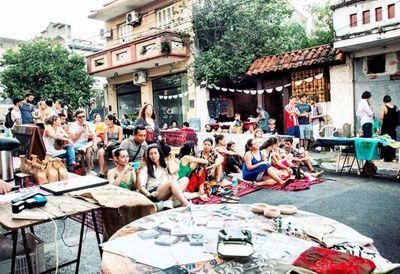 Feria y jazz en la Plaza Uruguaya
