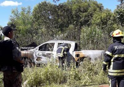 Tras intentar asalto queman camioneta