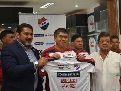 Roberto Torres asumió en Nacional