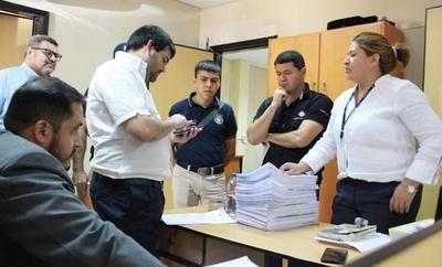 HOY / Allanan sede de Aduanas en Caacupemí: Fiscalía investiga presunto contrabando de prendas bolivianas