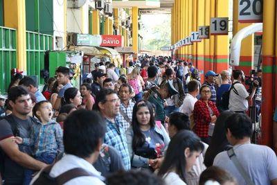 Más de 400 mil personas circularon por la Terminal de Asunción