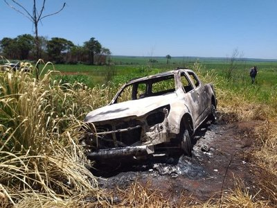 Hallan incinerada una camioneta denunciada como robada