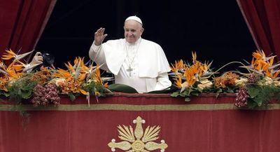 En la misa de Nochebuena, Francisco criticó «la lógica de dar para tener»