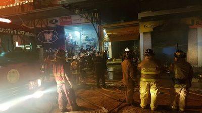 Bomberos: No pudieron brindar a la medianoche