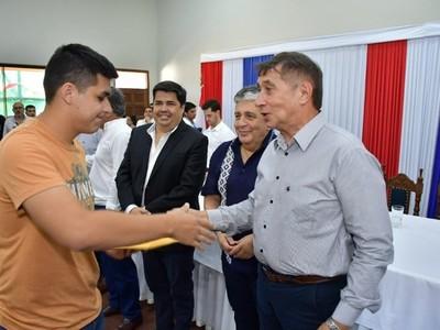 Ñeembucú: desembolso de becas EBY se realizará en marzo y julio del 2020